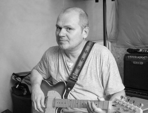 Умер основатель рок-группы «Чорный флаг» Максим Кузнецов